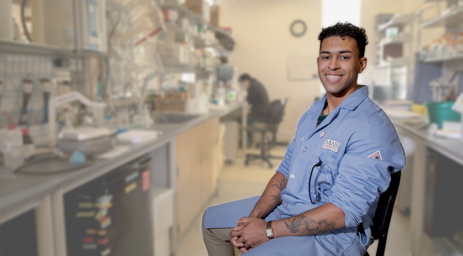 Student researcher in lab