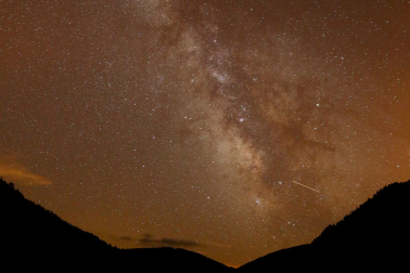 Milky Way galaxy seen during meteor shower