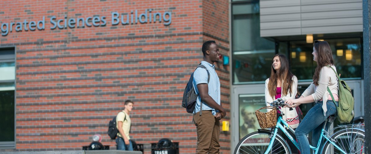 Students in front of the Integrated Sciences Building
